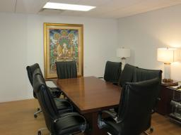 220 East 42nd Street New York NY Small conference room