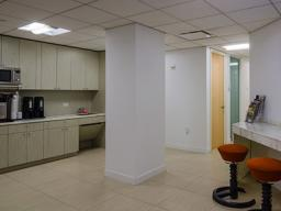$910 / MONTH – 1 INTERIOR ATTORNEY'S OFFICE IN A LUXURY SERVICED SUITE – FULL NYC AMENITY PACKAGE