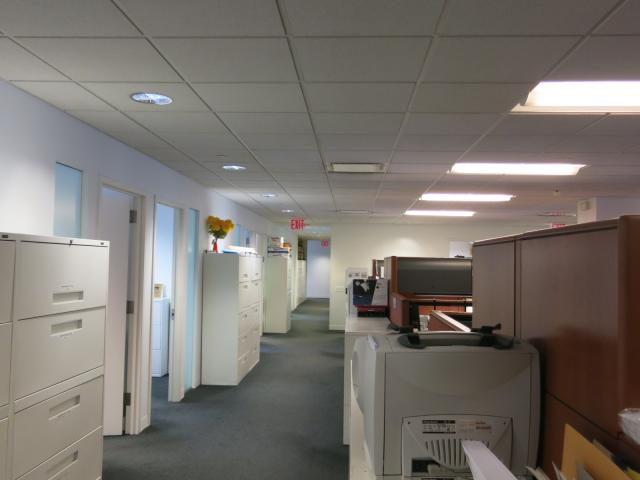 641 Lexington Avenue New York NY Offices with rows of workstations immediately outside